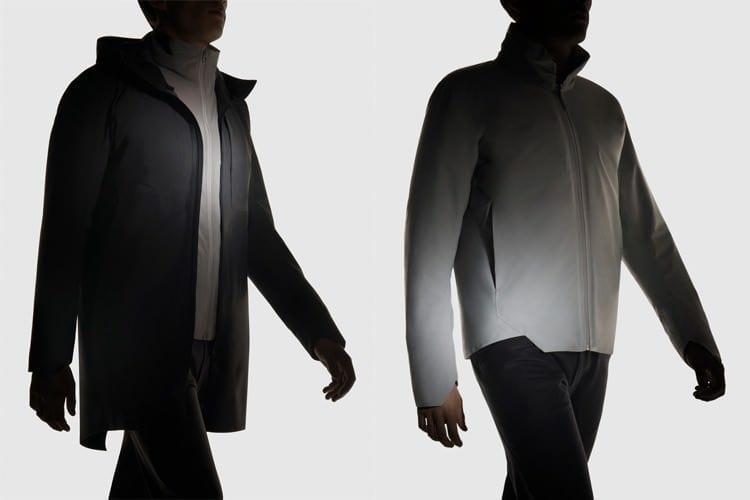 L: Monitor Mantel - ideal bei Regen, ca. 1.200,00 € bis 1.700,00 €. R: Achrom IS Jacke - ideal bei Kälte, ca. 1.000,00 €