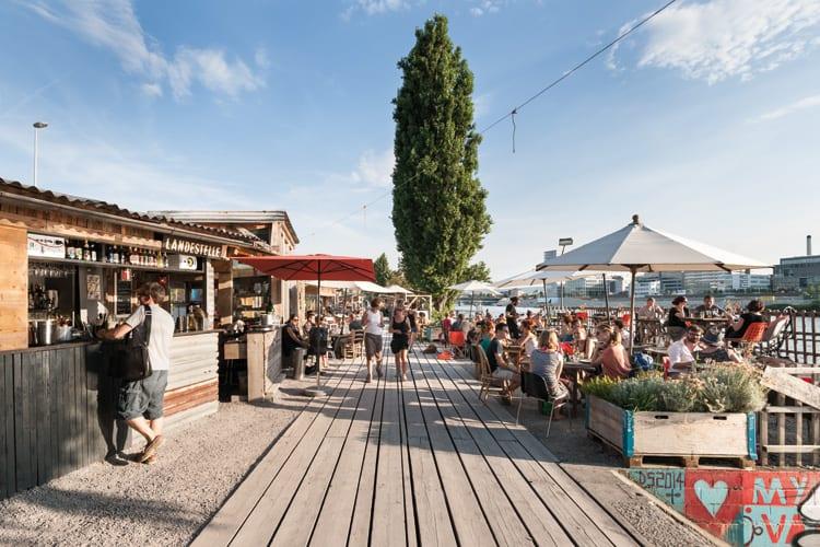 """Landestelle © Basel Tourismus - Anzeige: Städtetrip nach Basel zu """"Claude Monet"""""""