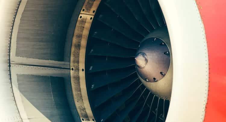 Up in the Sky – Möbelstücke aus Flugzeugteilen