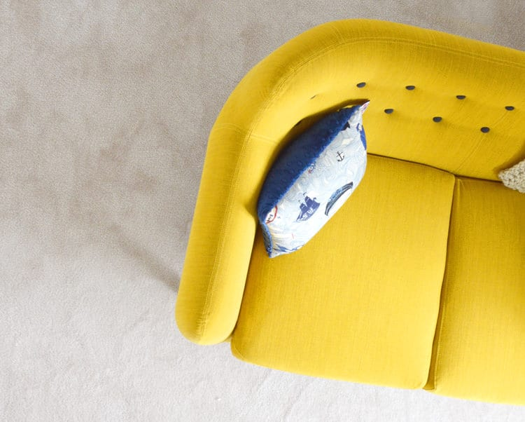 Sofa in gelb