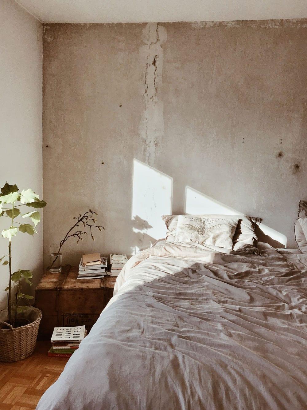 Schlafzimmer im Shabby Chic, Foto: Nine Köpfer / Unsplash