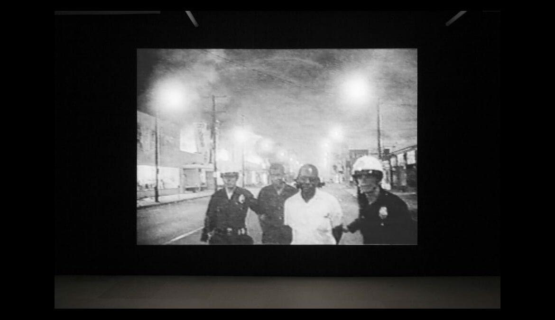 Tony Cokes, Installationsansicht, On Non-Visibility, Greene Naftali, New York, 2018. Foto: Greene Naftali, New York, Hannah Hoffman, Los Angeles, und Electronic Arts Intermix, New York, MOCBA Barcelona