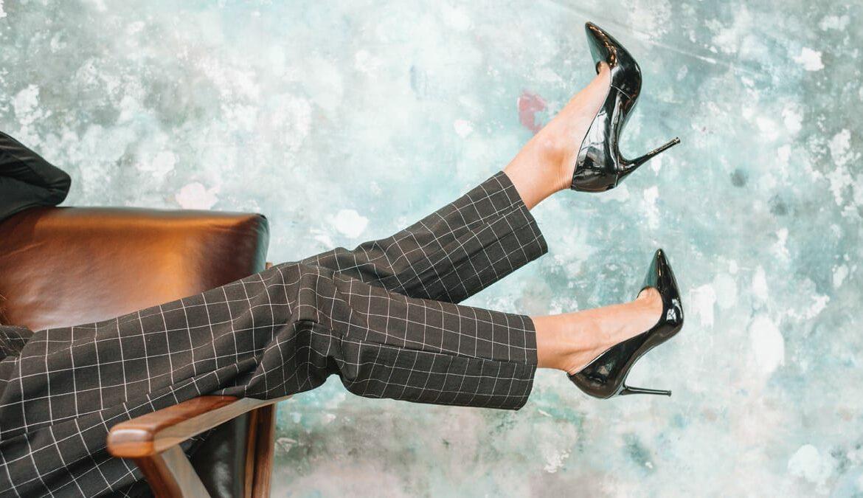 High Heels passen immer - egal ob Business oder Casual Look, Foto: Amanda Vick / Unsplash