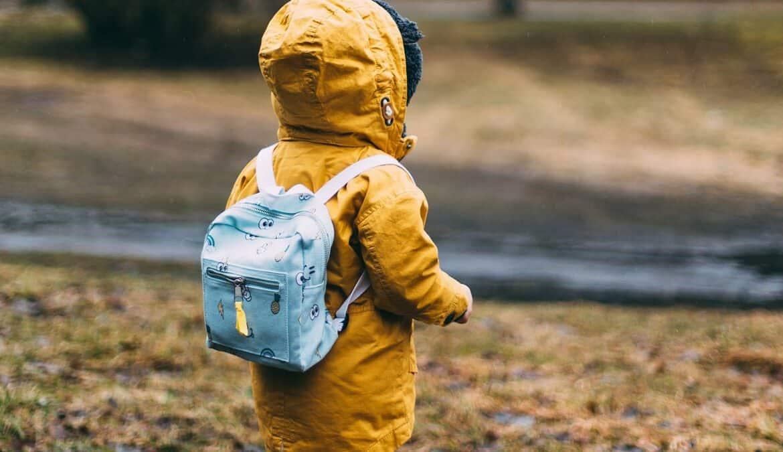 Kindermode für die kühlen Tagen, Foto: Daiga Ellaby / Unsplash