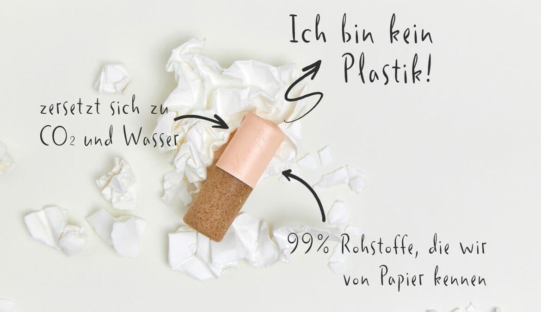 Die Kappe der Kneipp Lippenpflege besteht aus dem neuartigen Material Paper Blend. Foto: Kneipp GmbH / Marc Waldow