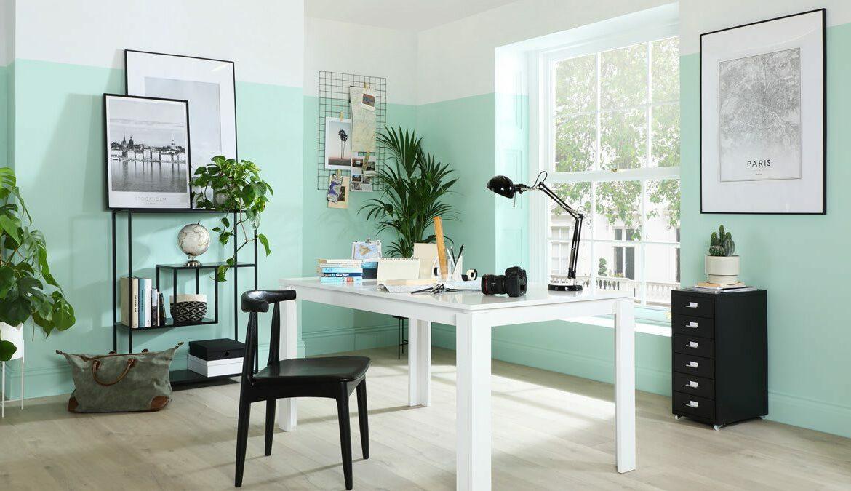 Mit seiner glatten Oberfläche und seiner herrlich minimalen Silhouette sorgt der Aspen-Tisch für ein modernes Flair im Home-Office. Foto: Furniture And Choice