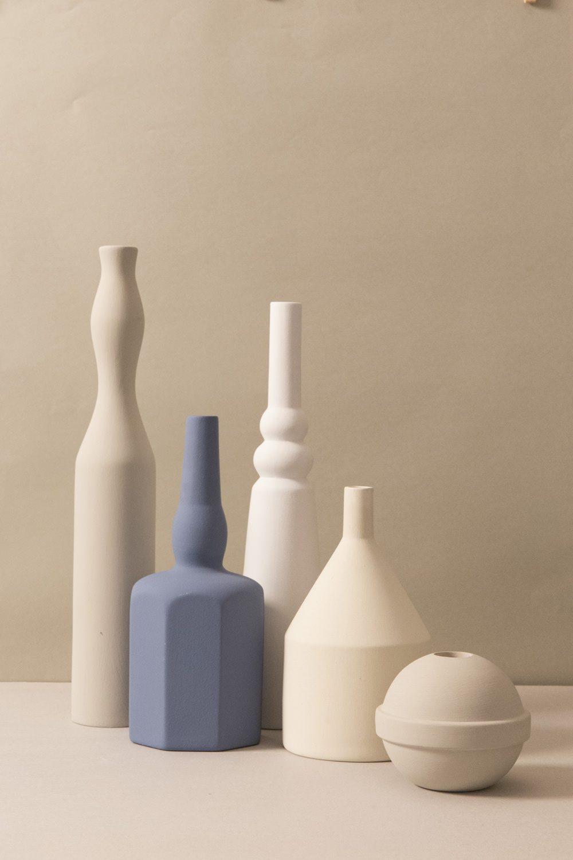 Le Morandine, Komposition aus Keramikvasen, Design von Sonia Pedrazzini, Foto: Le Morandine