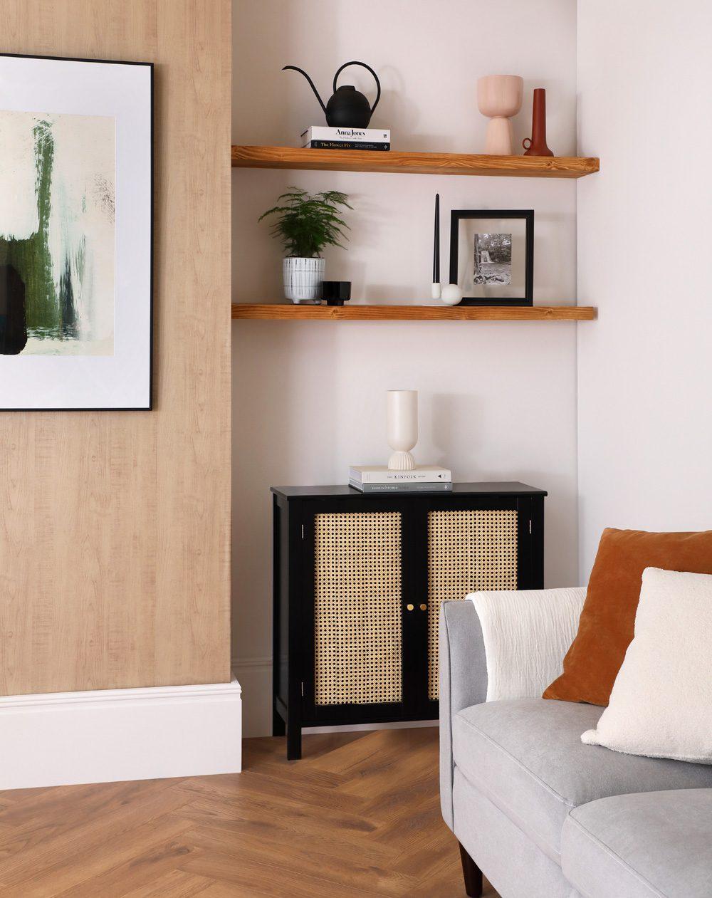Rattan-Sideboard und Ecksofa von Hayward, Foto: Furniture and Choice